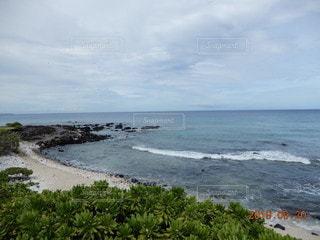 夏の終わりの海岸の写真・画像素材[2486405]