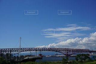 赤い橋の写真・画像素材[2486847]
