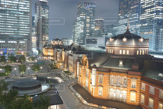 東京駅のライトアップの写真・画像素材[2486882]
