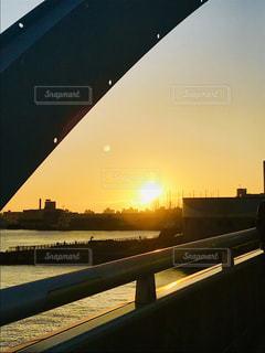 橋からの夕日の写真・画像素材[2603109]