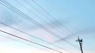 電線と空の写真・画像素材[2491846]