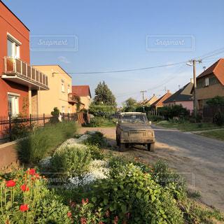 スロバキアの小さな町の風景の写真・画像素材[2495438]