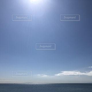 水域の上空の雲の群しの写真・画像素材[2522310]