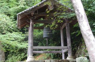 寺の鐘つき堂の写真・画像素材[2499453]
