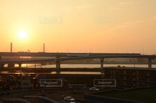 都市の夕日の写真・画像素材[2501990]