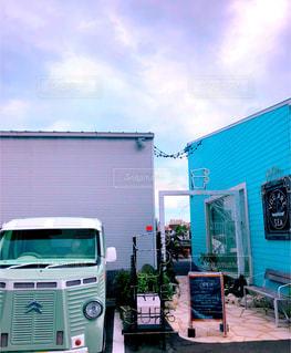 ヨットハーバーのある可愛いカフェの写真・画像素材[2605464]