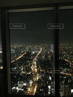 天空のホテルからの夜景の思い出の1枚の写真・画像素材[2621405]