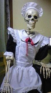 メイド服を着た人の写真・画像素材[2502389]