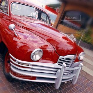 カフェ前のオシャレな外車🚘の写真・画像素材[2504570]