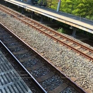 晴れ時の線路の写真・画像素材[2504477]