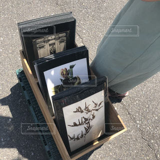 蚤の市 絵画の写真・画像素材[2509384]