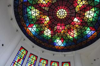 鮮やかに輝く天井の写真・画像素材[2506075]