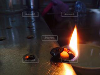 燃えてるピーナッツの写真・画像素材[2507347]