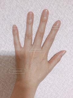 指を開いた手の写真・画像素材[2509468]
