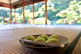 お茶会のかわいい和菓子の写真・画像素材[2512812]