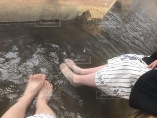 温泉で安らぐひとときの写真・画像素材[2511439]