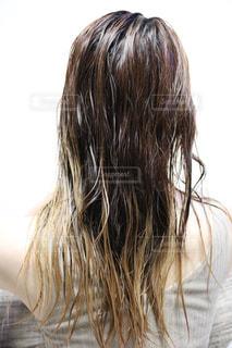 濡れ髪の写真・画像素材[2587039]