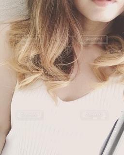 巻き髪の女性の写真・画像素材[2618966]