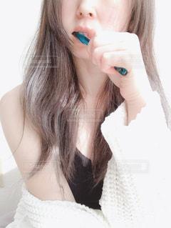 歯を磨く女性の写真・画像素材[2703216]