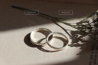 手作りのシルバーリングの写真・画像素材[2515501]