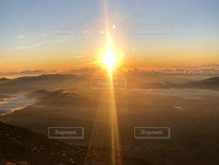 富士山の朝日の写真・画像素材[2532754]