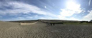 浜辺を見上げる空の眺めの写真・画像素材[2553999]