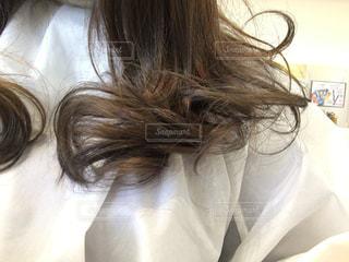 髪の毛をセットの写真・画像素材[2564348]