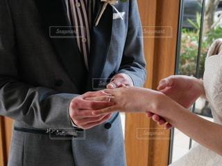 スーツとネクタイを着ている人の写真・画像素材[2522304]