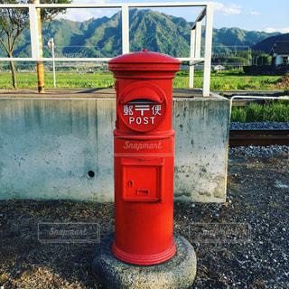昭和レトロな赤ポストの写真・画像素材[1188470]