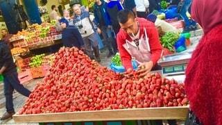 イチゴの量り売りの写真・画像素材[2585043]