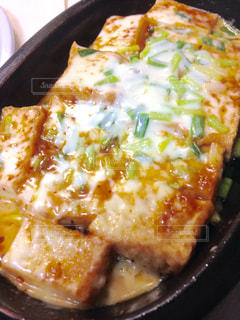 とろける豆腐の味噌チーズ焼きの写真・画像素材[852871]