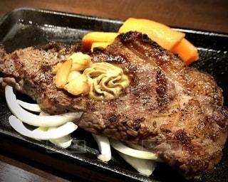 いきなり肉の写真・画像素材[2544201]