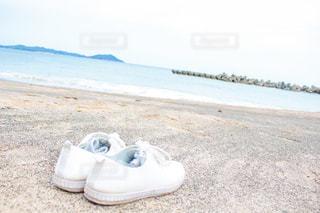 砂浜と青春の写真・画像素材[2524129]