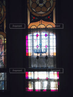 窓の向こうの写真・画像素材[2525103]