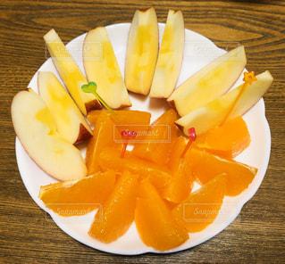 食後にフルーツの写真・画像素材[3002460]