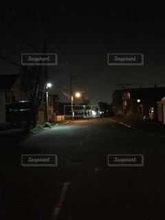 夜道の写真・画像素材[100561]