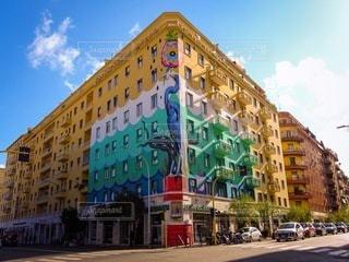 アーティスティックな建物の写真・画像素材[3388229]
