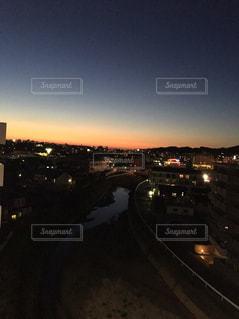 夜の街の眺めの写真・画像素材[2558278]