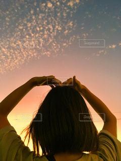 夕焼けとハートの写真・画像素材[2598273]