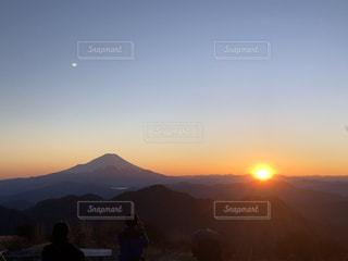 夕焼けの富士の写真・画像素材[3058417]