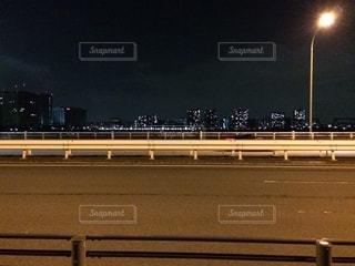 街灯とネオンの写真・画像素材[2552768]