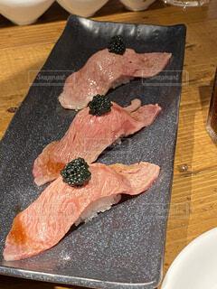 肉寿司キャビアのせの写真・画像素材[3675755]