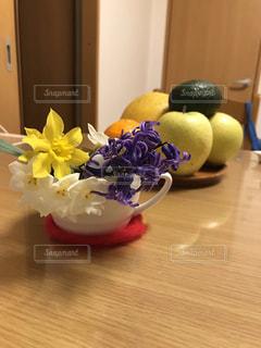 お花と果物の写真・画像素材[2570326]