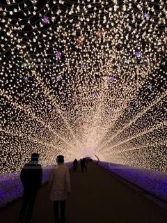 光のトンネルの写真・画像素材[2583719]
