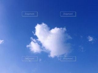 ハートの雲の写真・画像素材[2574937]
