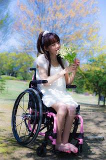 車椅子の女性の写真・画像素材[2596352]