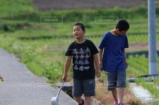 田舎の兄弟の写真・画像素材[2649679]