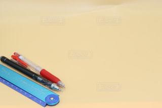 テーブルの上の鉛筆さの写真・画像素材[2865434]