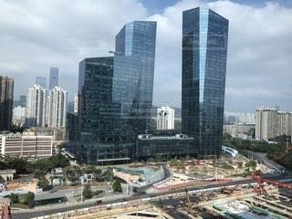 都会の高い建物の写真・画像素材[2727895]
