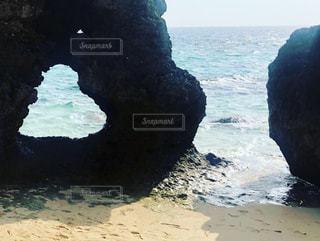 ハート岩の海岸、宮古島の写真・画像素材[2590876]